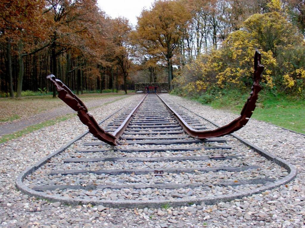 Monument_Kamp_Westerbork-1500x1125